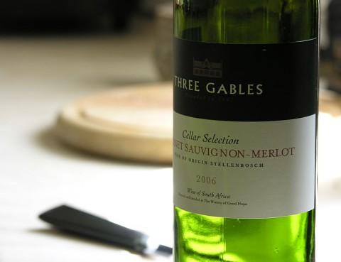 800px-Wine_bottle